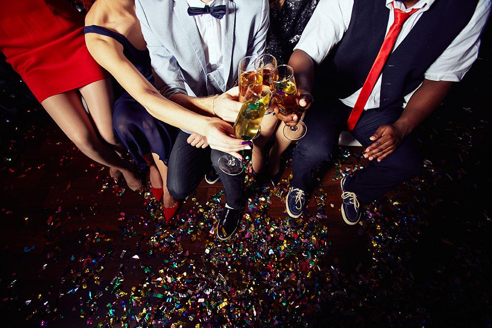 People toasting